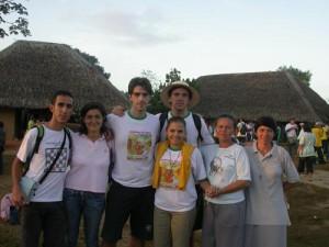 Da sinistra: Paolo, Maria, Fulvio, Fabrizio, Martina, suor Rosa e suor Riziomar all'arrivo della Romaria in cima alla Serra da Barriga.